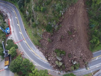 Photo from the drone taken on Sunday morning showing the large amount of additional rock and debris that come down early on Sunday morning (Photo: GNS Science).