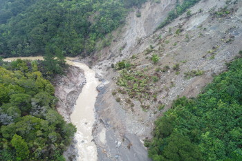 Kaiwhata River on 14 June 2019. The dam has failed and water is flowing freely. Photo: Regine Morgenstern - GNS Science